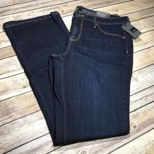 Mossimo Mid Rise Curvy Bootcut Jeans Size 12/31